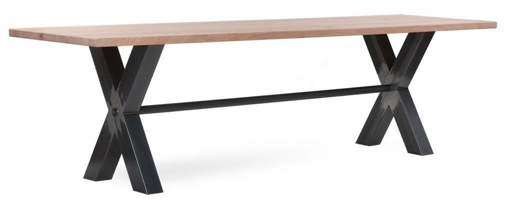 Tisch 30590 - mit auffälligem Eisen-Untergestell, Tische