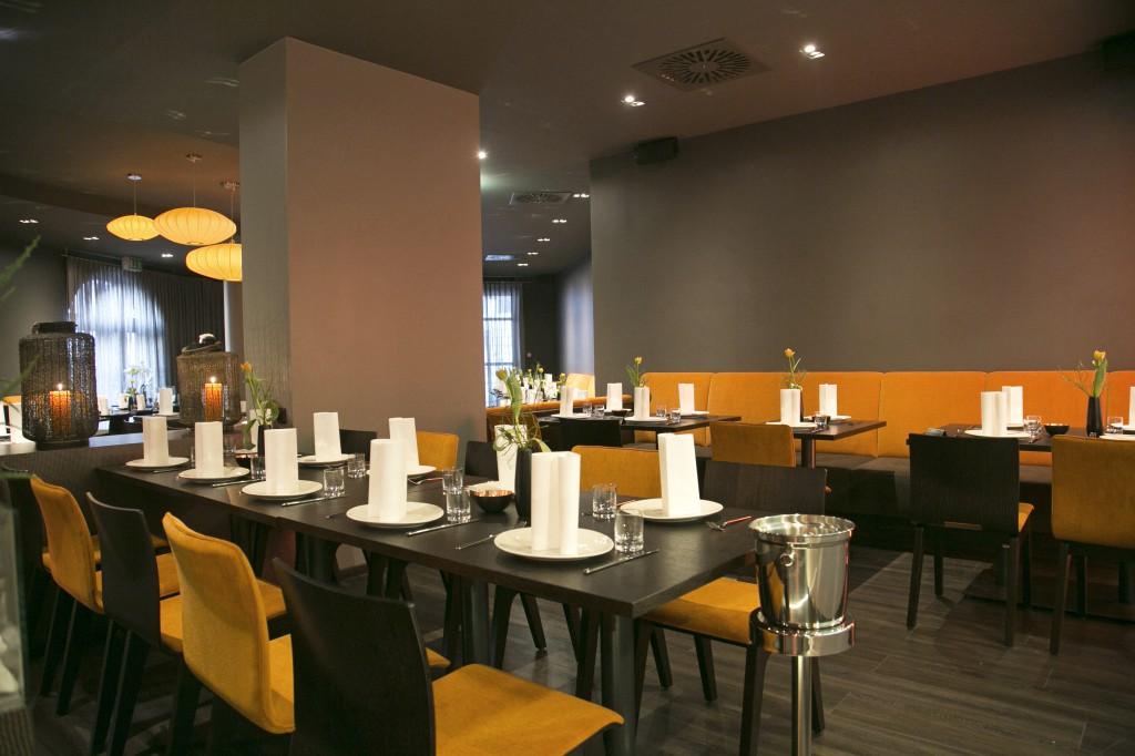 Die Stühle Lotte und Travel wirken modern und elegant zugleich. Restaurant Möblierung