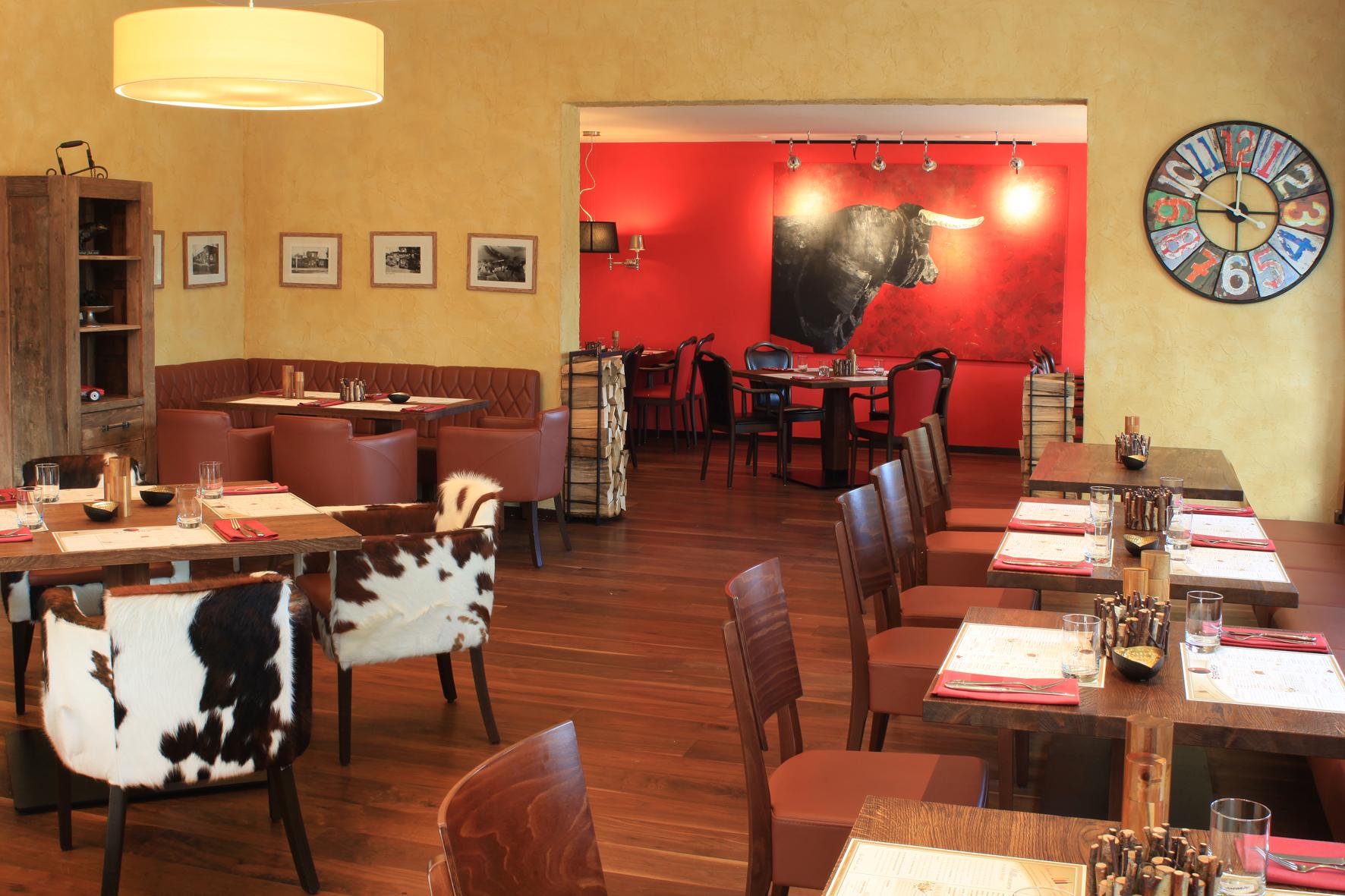 restaurant einrichtung mit wohlf hl ambiente schniedersitzt 100 jahre stuhlfabrik schnieder. Black Bedroom Furniture Sets. Home Design Ideas