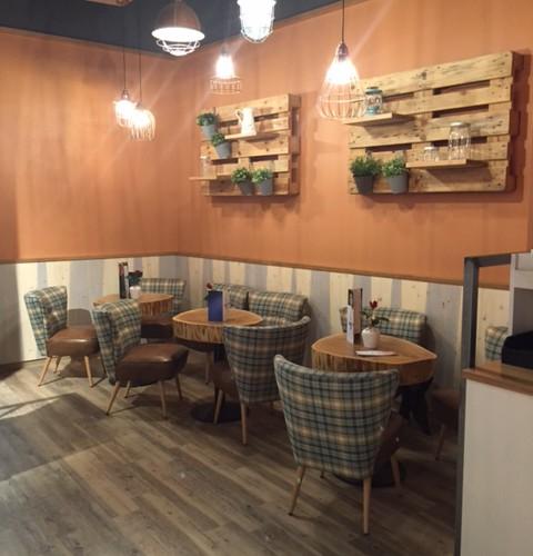 Caféhaus Einrichtung mit Sessel Fritz