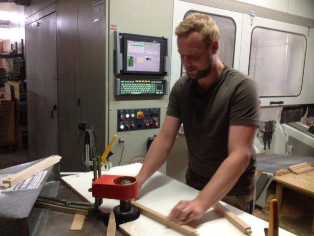 Stuhlbau macht Spaß Stuhlherstellung ist Handarbeit