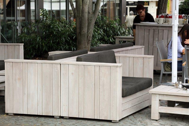 Geradlinige Outdoor-Lounge-Möbel von Schnieder
