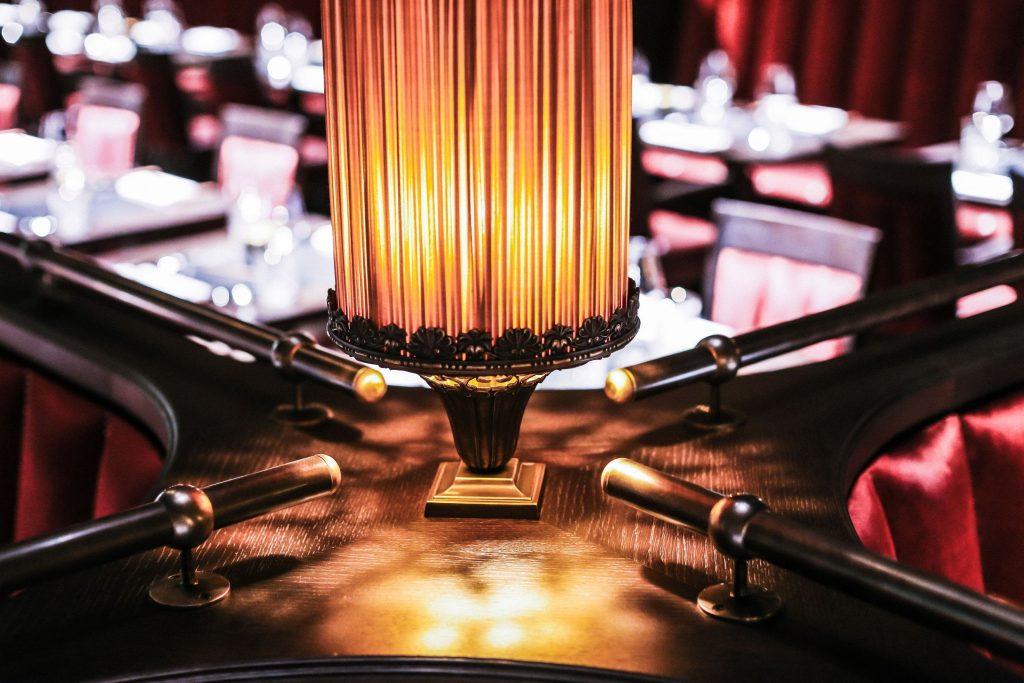 Bankanlagen Sonderbau integrierte Lampen