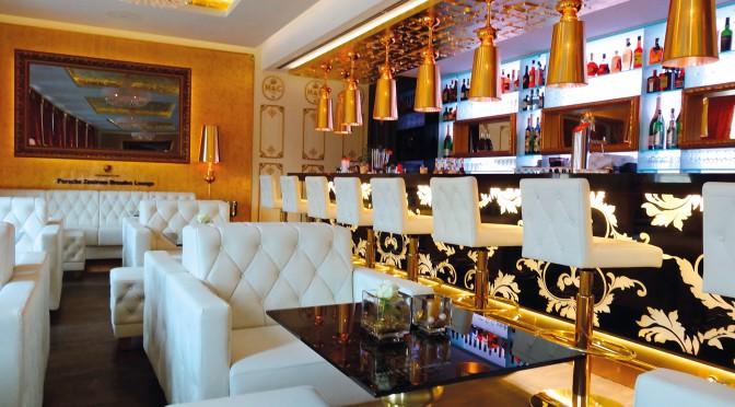 Extravagante Sonderanfertigungen für Champagner Lounge
