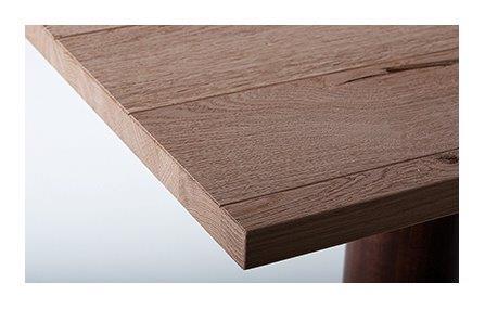 Gebürstete Holzoberflächen haben besonderen Charme