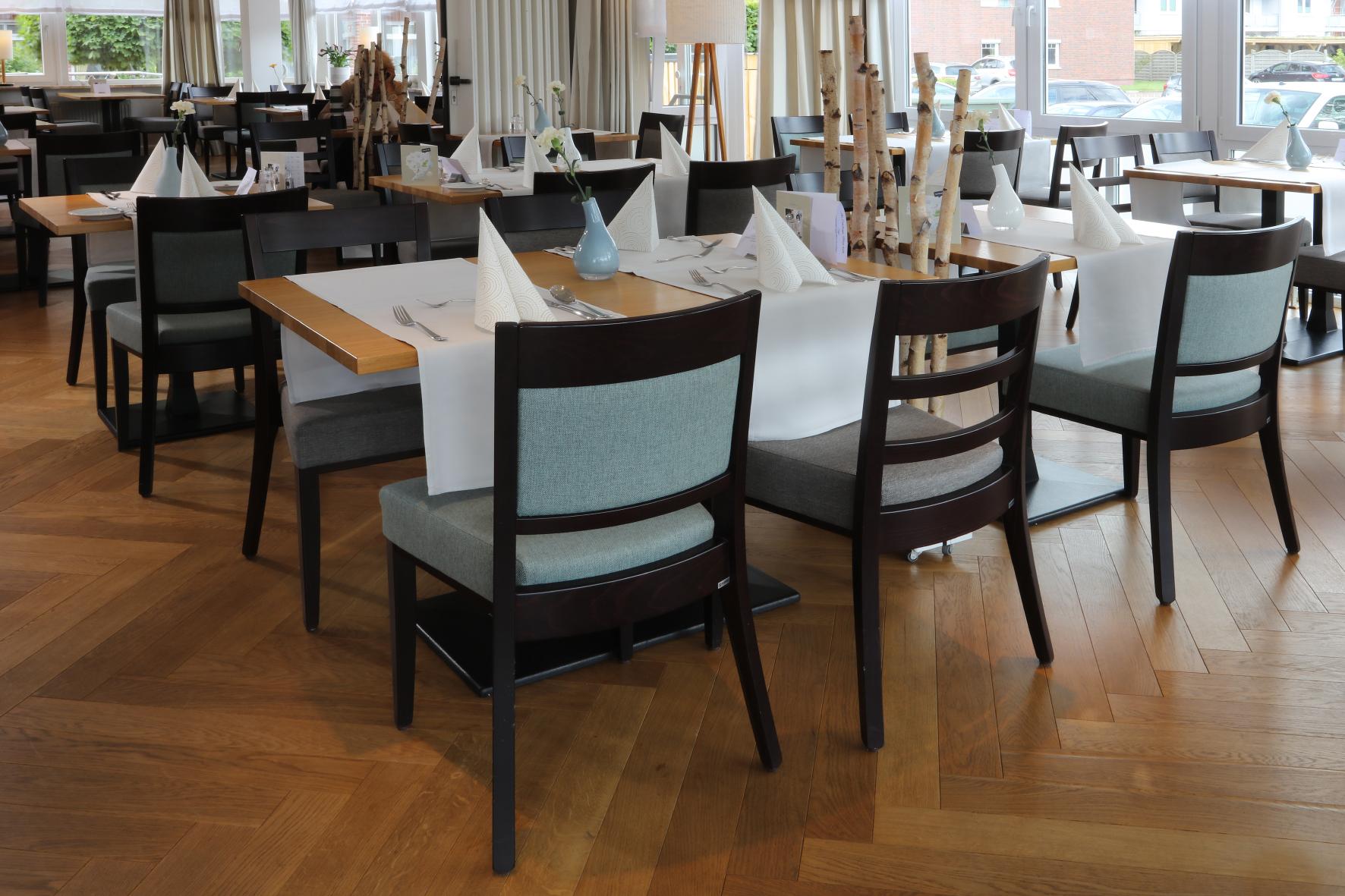 Neue Gastronomie-Möblierung für Hotel Erholung in Kellenhusen