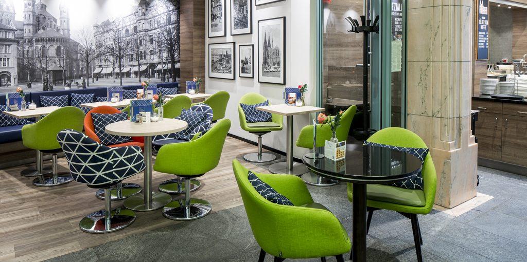 Stuhlfabrik Schnieder Einrichtung Café Reise Köln