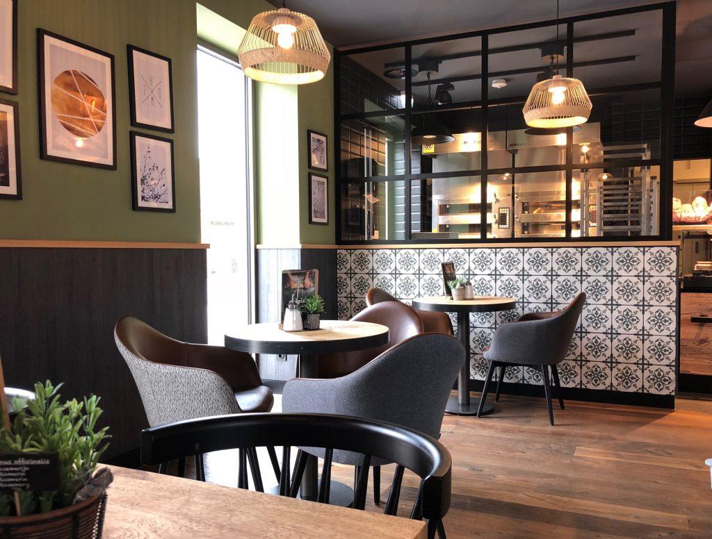 Einrichtung Bäckerei und Café