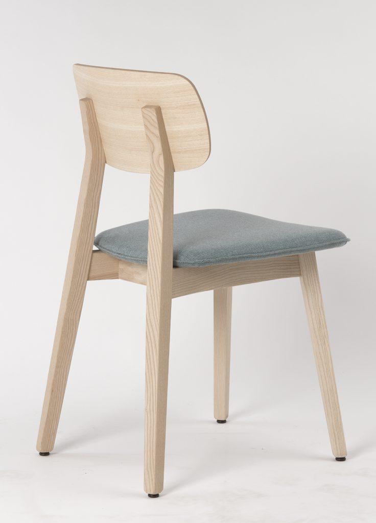Stuhlfabrik Schnieder fertigt Stühle aus Esche – Tradition