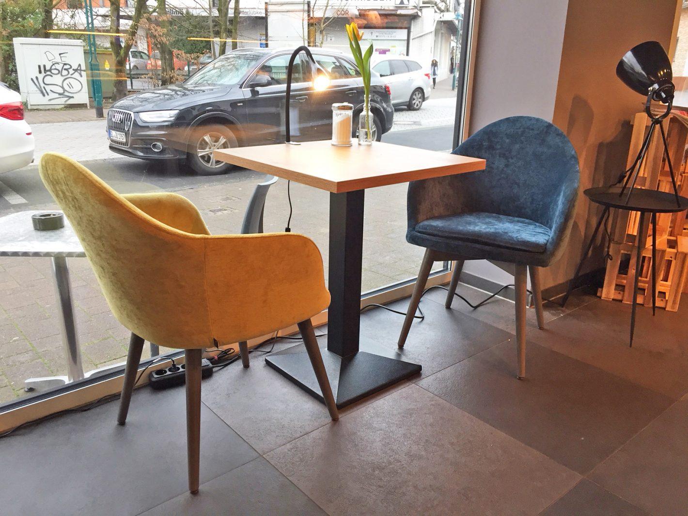 Café-Einrichtung, Sessel Tina
