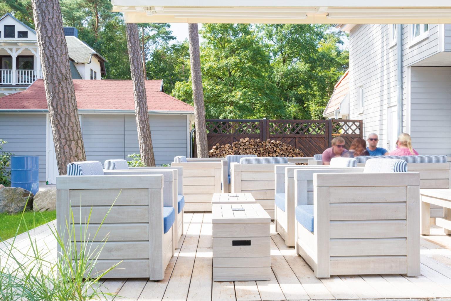 Terrassen Möbel, Aussengastronomie, Lounge Möbel, Sessel Sofa, Lounge Tisch