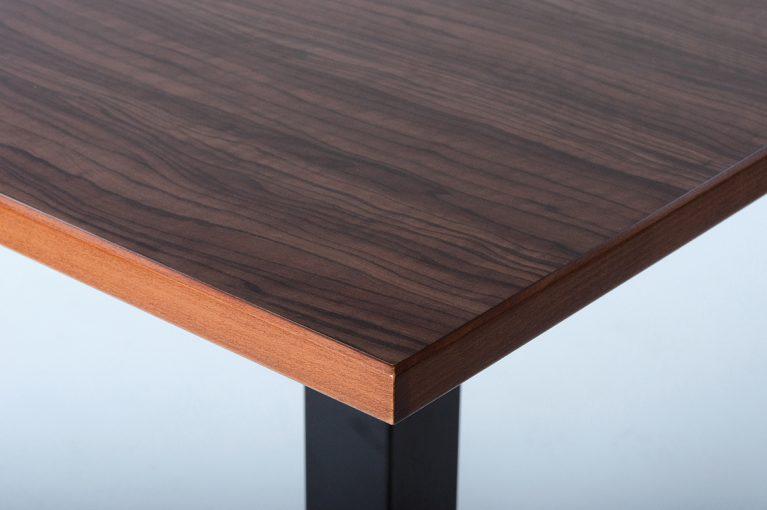 Tischplatte HPL 30 mm, Massivholzkante